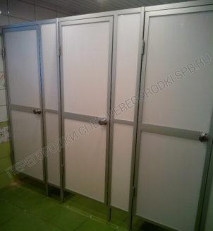 Каркасные туалетные кабины с заполнением пластиком