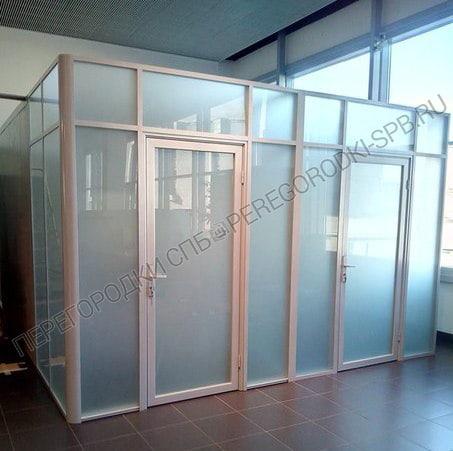 Стеклянные перегородки в салон Мерседес-Бенц-3