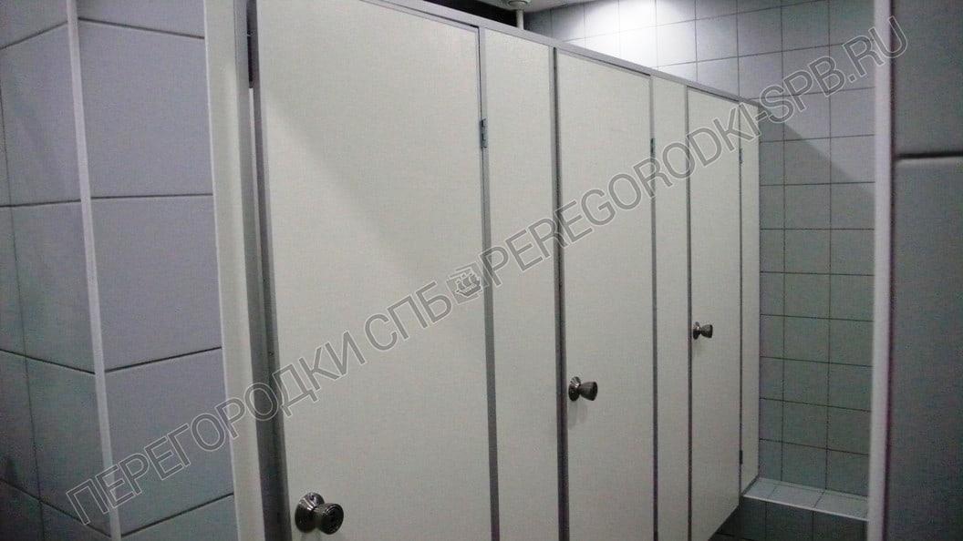 Туалетные перегородки в БЦ на ул. Кантемировская