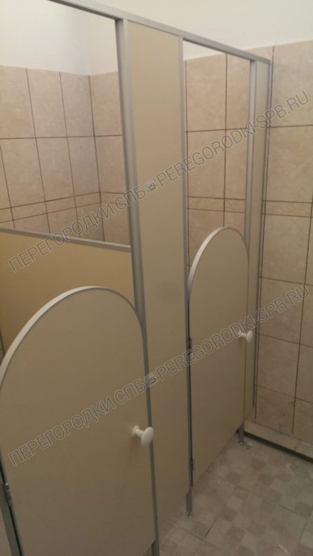 detskie-kabinki-dlya-tualeta-v-detskom-sadike-1