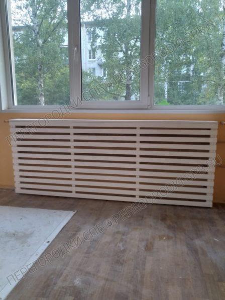 ekran-koroby-lamelnogo-tipa-na-radiatory-5