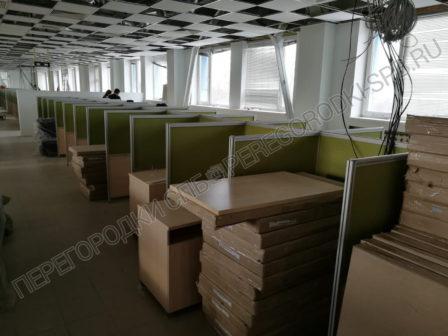 ofisnye-peregorodki-dlya-razdeleniya-rabochih-mest-16