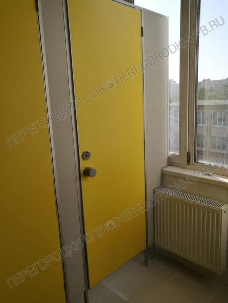 santehnicheskie-tualetnye-kabinki-v-shkolu-364-4