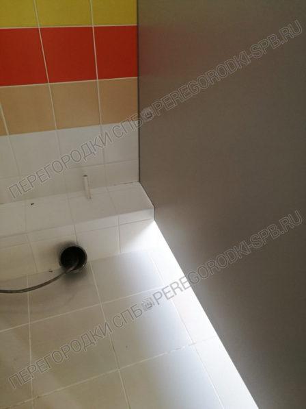 santehnicheskie-tualetnye-kabinki-v-shkolu-364-7