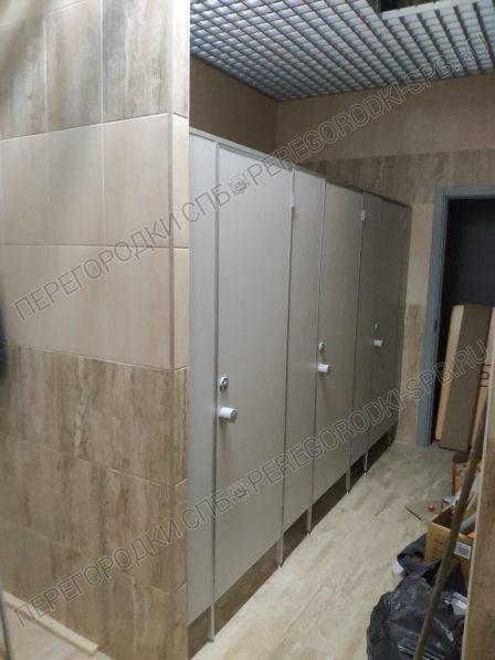 tualetnye-kabinki-dlya-gostinitsy-arbital