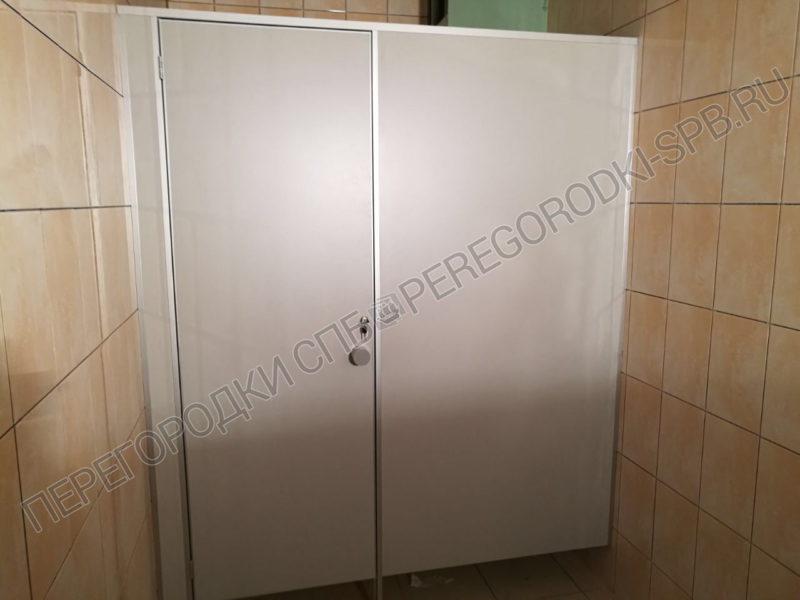 tualetnye-kabiny-dlya-fort