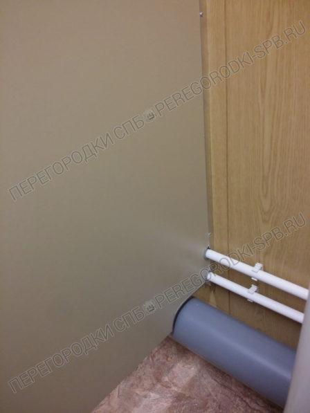 tualetnye-kabiny-dlya-mobilnogo-blok-konteynera-3