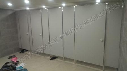 tualetnye-kabiny-v-ispolnenii-ekonom-oblegchennyi-2