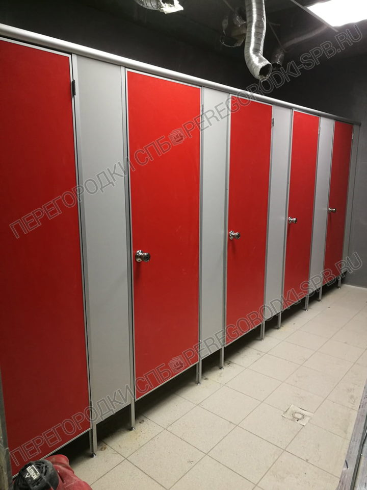 tualetnye-santehnicheskie-kabiny-dlya-magazina-okey-2
