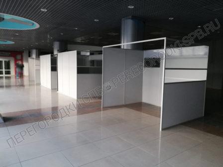 dekoratsii-pasportniy-kontrol-aeroporta-dlya-semki-filma-6