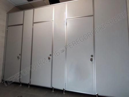 kabiny-dlya-tualeta-v-usilennom-ispolnenii-1