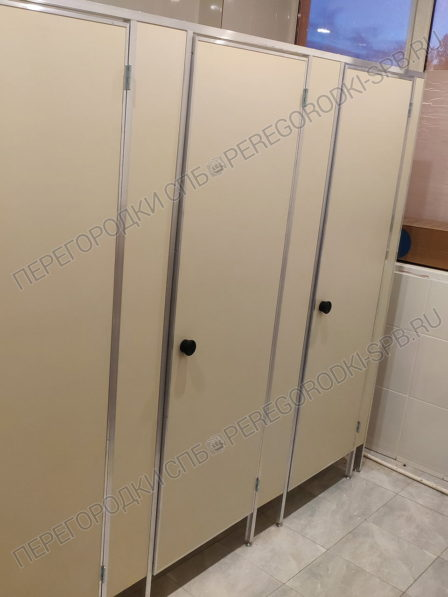 kabiny-v-tualet-dlya-magazina-magnit-3