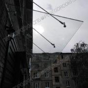 kozyirek-nad-vhodom-iz-stekla-3