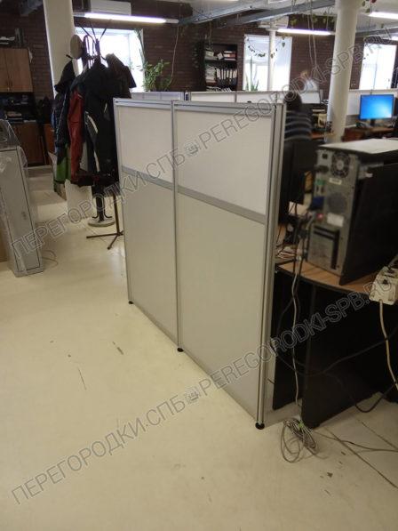 mobilnye-peregorodki-dlya-zonirovaniya-ofisa-4