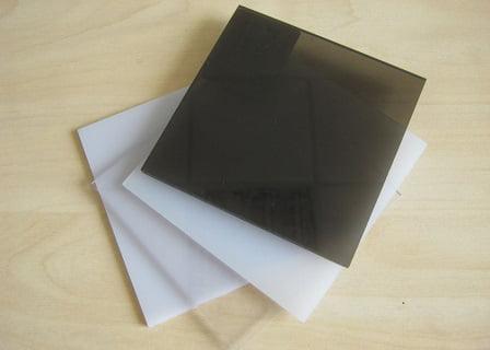 monolitniy-polikarbonat-cveta
