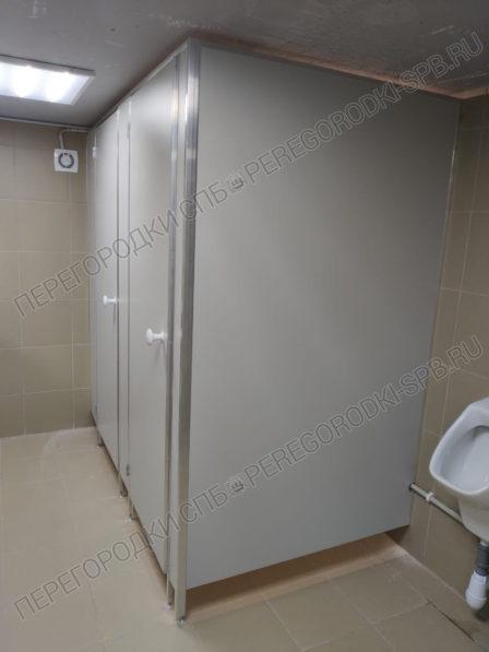 nedorogie-tualetnye-kabiny-iz-ldsp-2