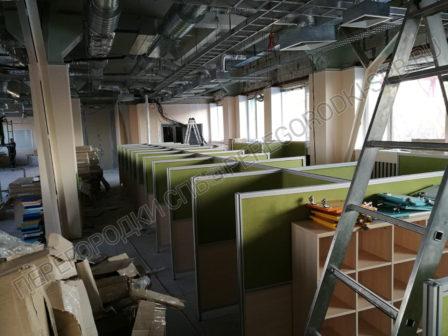 ofisnye-peregorodki-dlya-razdeleniya-rabochih-mest-6