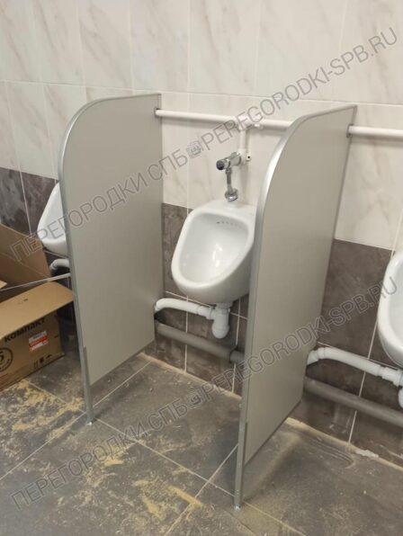 peregorodki-dlya-tualeta-pissuarov-i-dushevoy-3