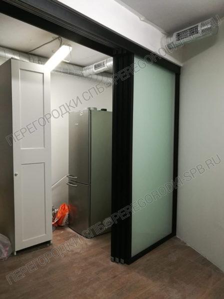 razdvizhnaya-i-drugie-ofisnye-peregorodki-dlya-biznes-tsentra-m16-8