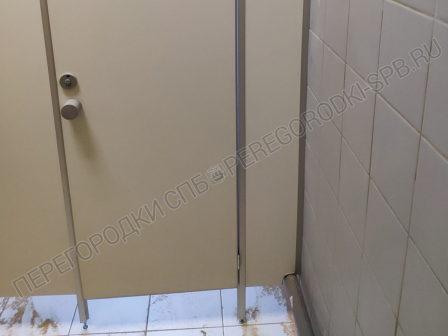 santehnicheskie-peregorodki-dlya-tualeta-i-dusha-4