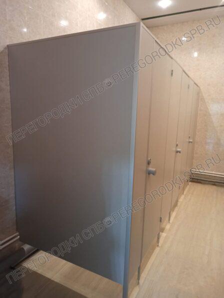 standartnye-tualetnye-kabiny-dlya-voenno-meditsinskoy-akademii-2
