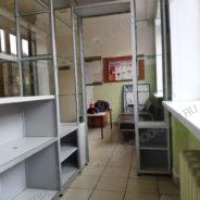 torgoviy-kiosk-vnutri-zdaniya-dlya-seti-aptek-6