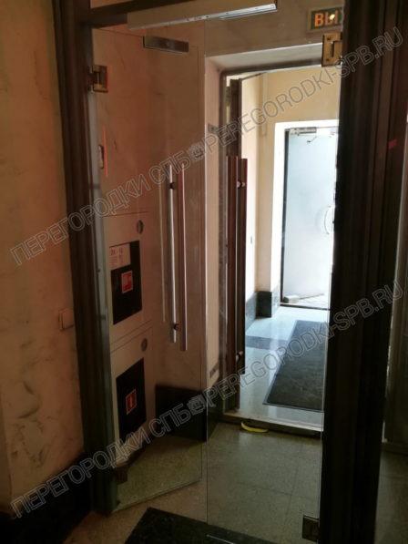 tselnosteklyannye-dveri-v-kompaniyu-lenenergo-4