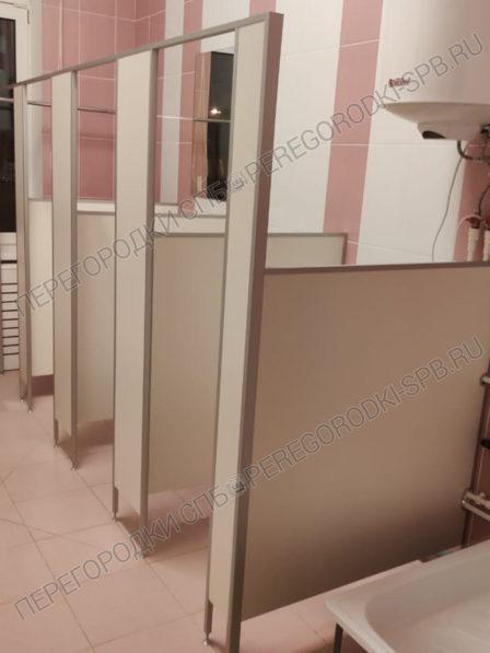 tualetnye-kabinki-bez-dverey-dlya-dou-2