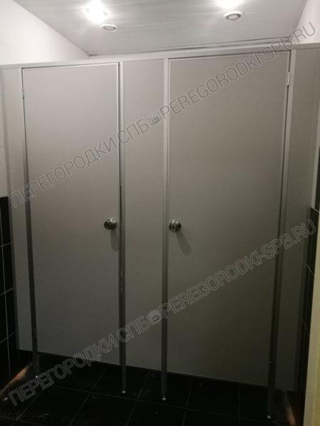 tualetnye-kabinki-dlya-biznes-tsentra-4