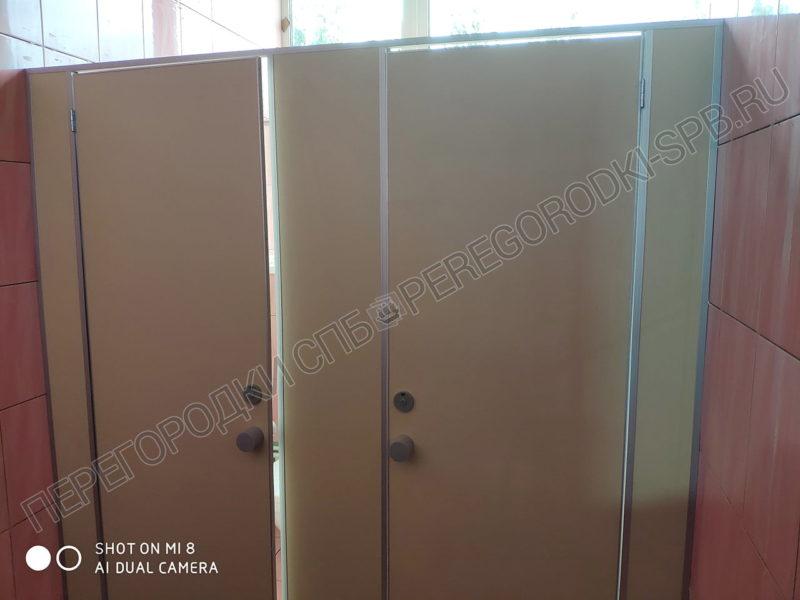 tualetnye-kabinki-dlya-zavoda-arsenal-1