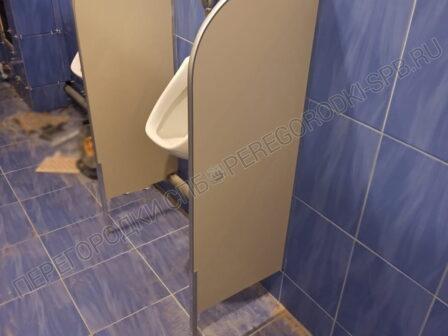 tualetnye-kabinki-v-ispolnenii-ekonom-2