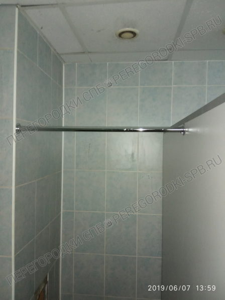 tualetnye-kabiny-s-dvermi-dlya-trk-raketa-5