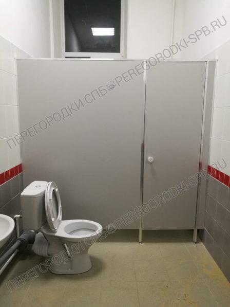 tualetnye-peregorodki-dlya-zhd-vokzala-v-g-luga-3-2