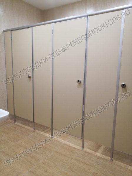 tualetnye-santehnicheskie-peregorodki-dlya-delovogo-tsentra-2
