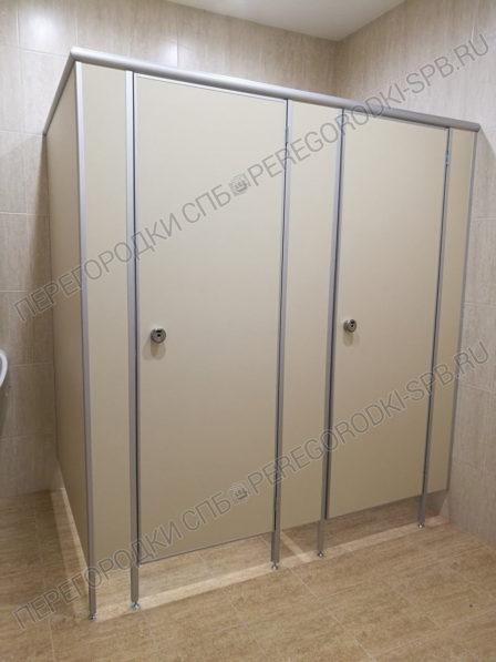 tualetnye-santehnicheskie-peregorodki-dlya-delovogo-tsentra