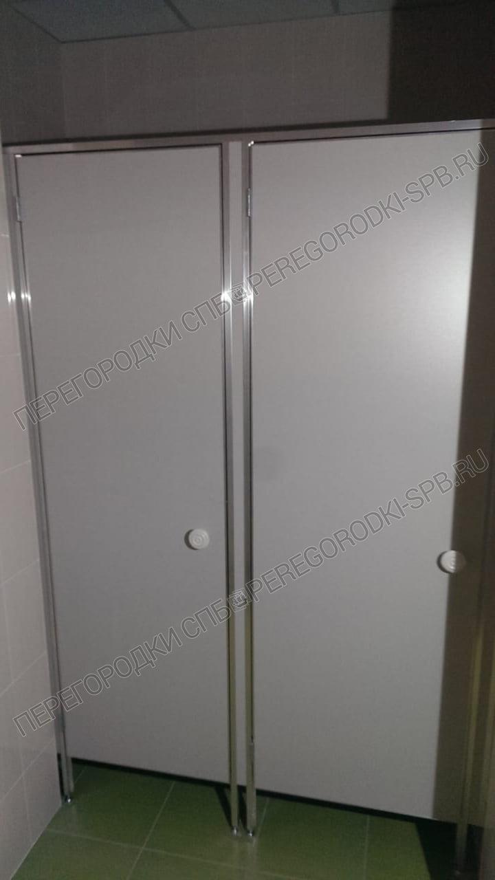 tualetnye-santehnicheskie-peregorodki-v-g-kingisepp