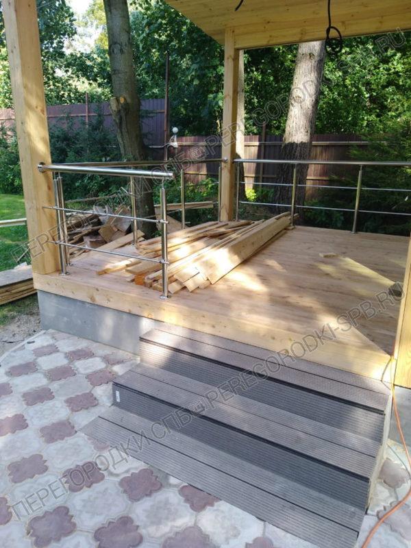 ustroystvo-ograzhdeniy-na-verande-v-p-levashovo-4